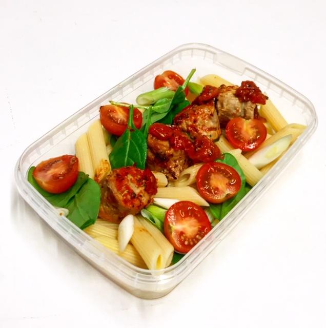 Quorn Meatballs & Pasta Light Lunch